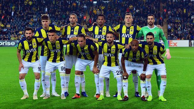 Yıldız futbolcudan flaş hamle Fenerbahçeyi sildi...